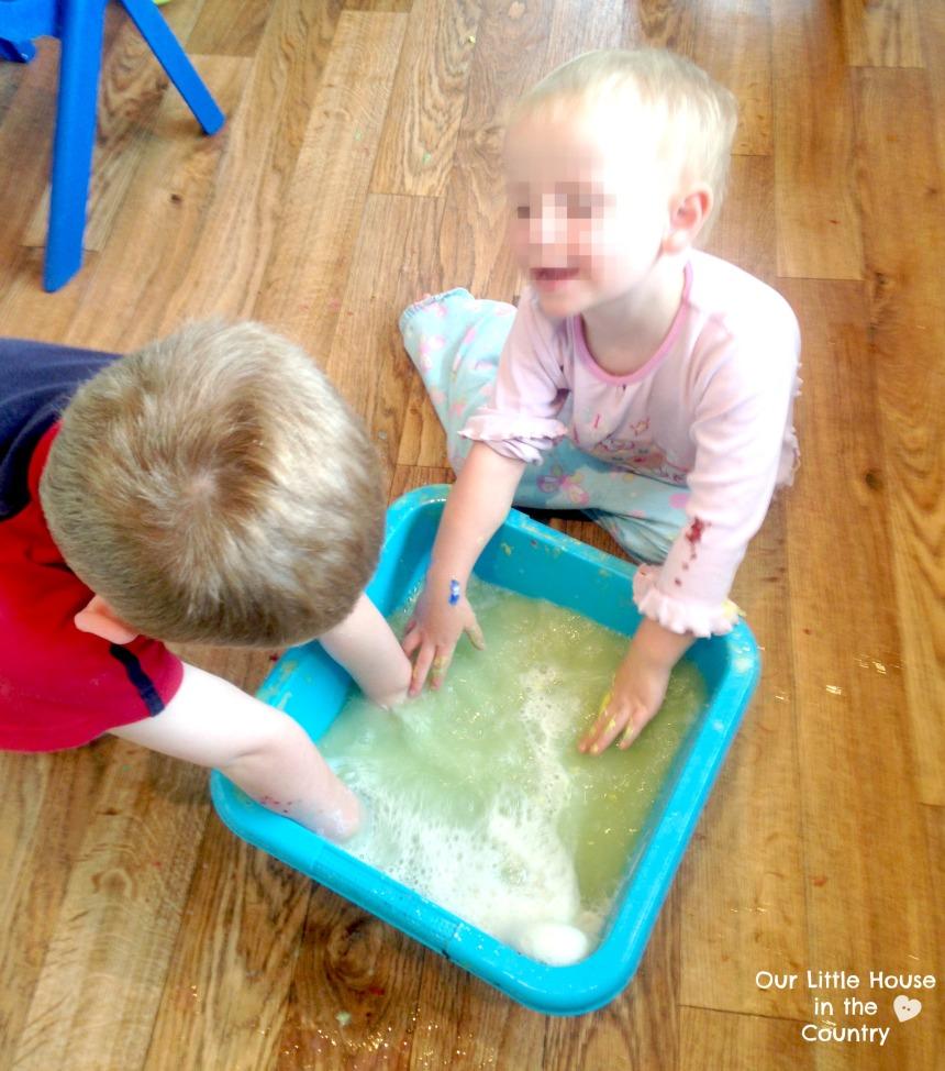 Foam Dough - Squishy Squashy Sensory Fun - Our Little House in the Country #sensory #foamdough #kidsactivities #messyplay