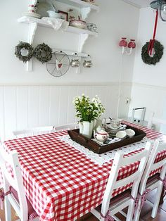 Christmas Decorating Ideas for the Kitchen - Our Little House in the Country 14